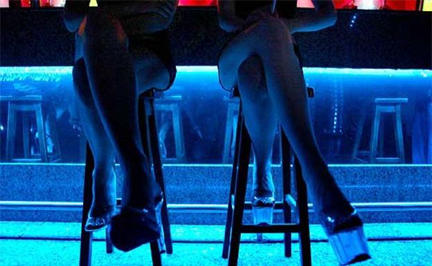 pisos prostitutas granada dos prostitutas