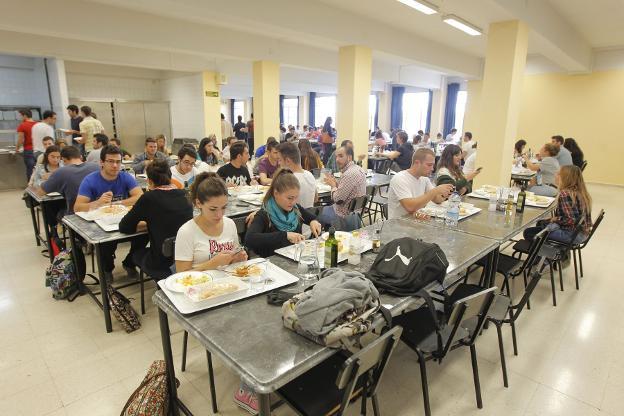 El Estado beca a 17.088 alumnos de la UGR, 111 menos que el curso ...