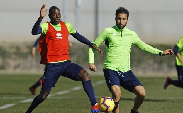 El Granada entrena su finalización para que lleguen los goles ... 231e7882a7d94