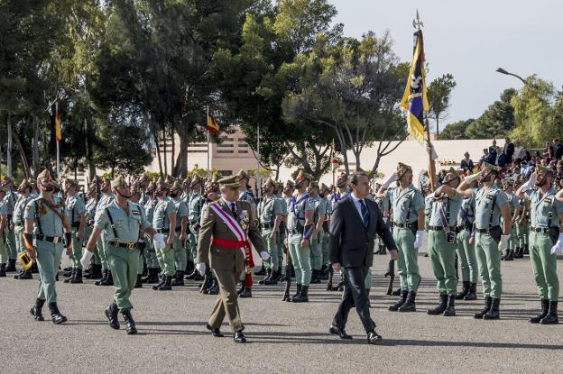 Unos 600 almerienses juran bandera en el acto de recuerdo ...