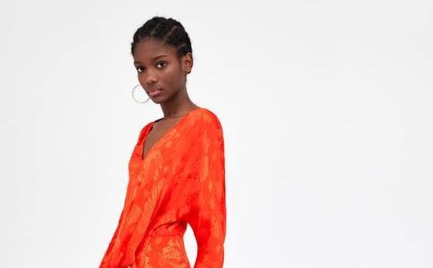 7ee146202 7 vestidos que ya puedes comprar en las rebajas de Zara por menos de ...