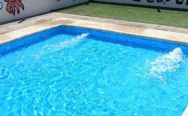 Fallece una menor en una piscina de chimeneas ideal for Piscina loja granada