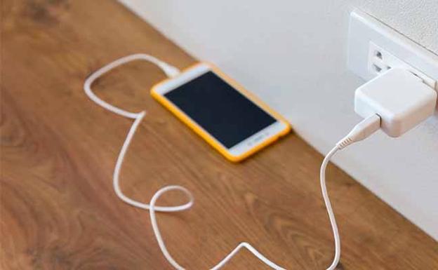 Cinco cosas que dañan la batería de tu móvil Informacion.es