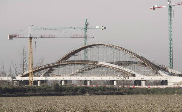 Puente sobre el río Genil.