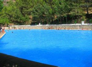Acondicionan la piscina natural de amurjo en orcera ideal for Piscina municipal de orcera