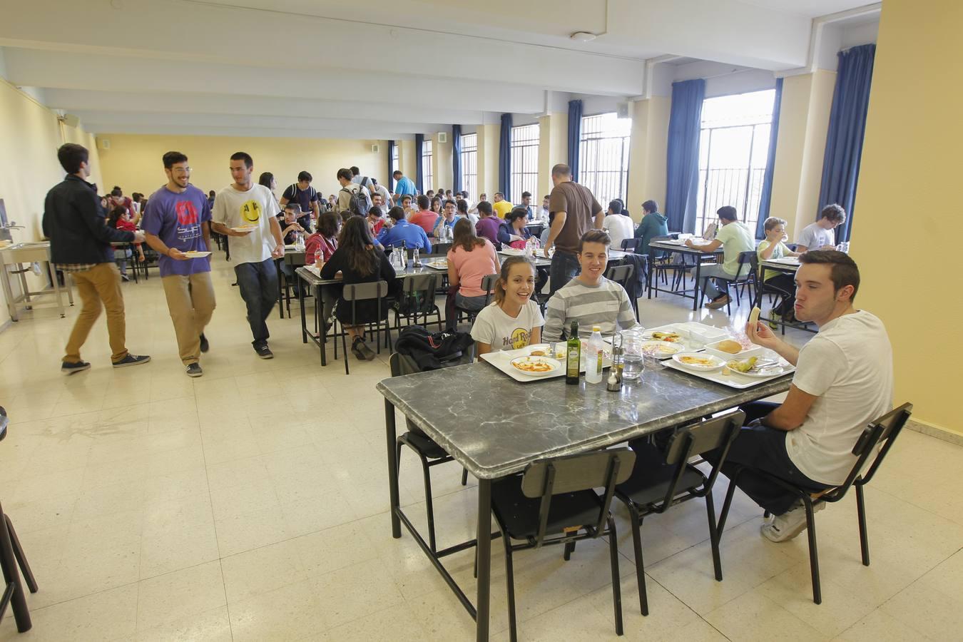 La crisis reduce un 26% los almuerzos servidos en los comedores ...