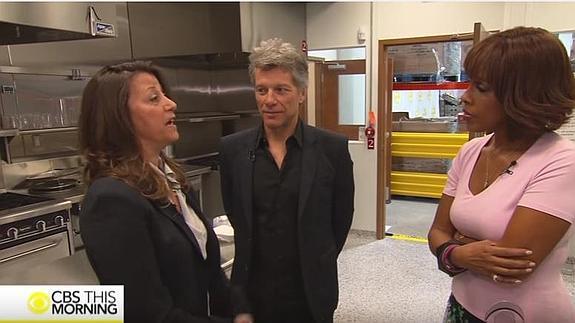 Bon Jovi abre un restaurante donde no le cobra a los pobres | Ideal