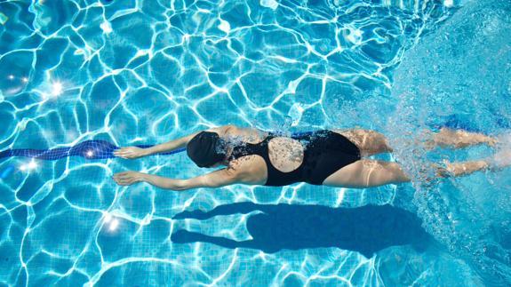 1902861d7 Cuál es el mejor bañador para hacer natación? | Ideal