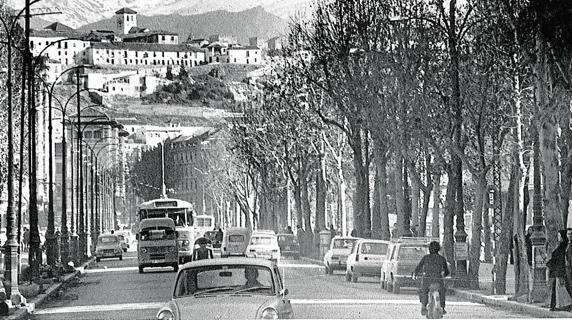 Resultado de imagen de Fotos de la avenida de la Constitución de Granada antiguas