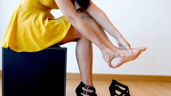 4 trucos para que no te duelan los pies al llevar tacones  39911e6c19dd